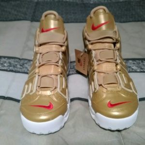 Nike Air More Uptempo Basketball Sneakers